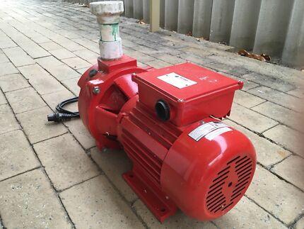 Orange Bore Pump CP700