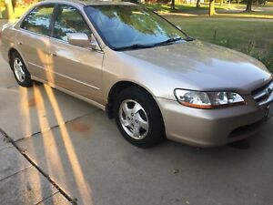 HONDA ACCORD-2000**NO RUST**