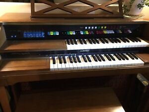 Classic Lowrey organ for a wonderful Old Time Christmas.