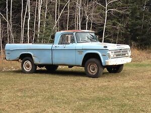 1971 Dodge D200 4x4 Power Wagon