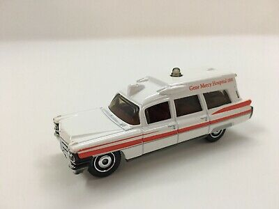RARE VHTF '63 Cadillac Ambulance Emergency Response White 2009 Matchbox ~ LOOSE