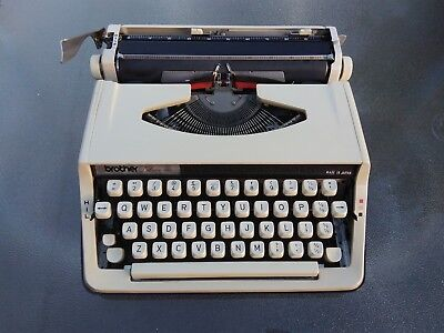Brother 800 deluxe typewriter from the 1970s. QWERTY UK.