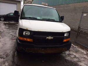 Chevrolet express1500 , v6 vortec  , vendre ou echange