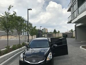 2010 Nissan Altima Hybrid Fully Loaded Tech Pack