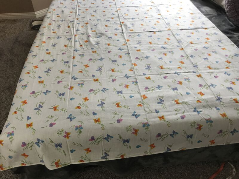 "Vintage Cotton Colorful Spring Butterfly Tablecloth 80"" x 60"""