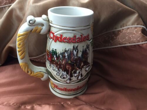 "1983 ""Cameo Wheatland Design"" Budweiser Holiday Stein Mug"