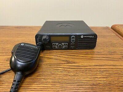 Motorola Xpr4550 Aam27trh9la1an Uhf Mobile Radio W Rmn5052a Mic