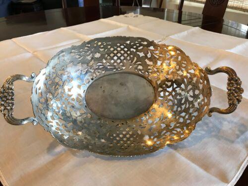 American International Silver Co. silver plate Lovelace pattern cake basket