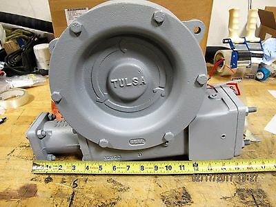 Tulsa Hydraulic Recovery Winch 36 / 1 Drive   Gear Box Military Issue [B8S4]