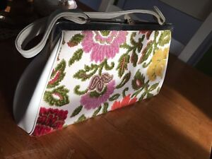 Vintage embroidered purse and change clutch