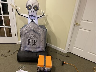 Gemmy Airblown Inflatable Halloween Animated Pop-up Ghost tombstone