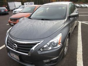 2014 Nissan Altima 2.5 SV- ALLOYS! HEATED SEATS! NAVIGATION!