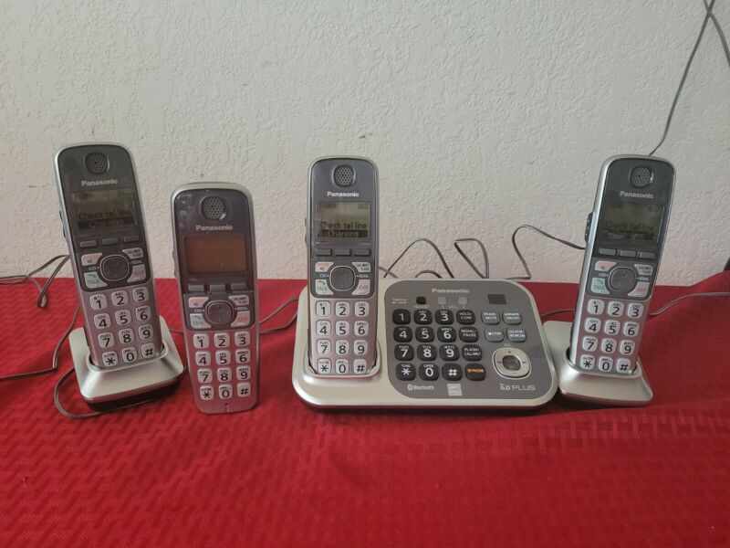(4) Panasonic KX-TG7741 Cordless Phones with Answer Bluetooth Dect 6.0 PLUS