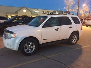 *PRICE DROP* 2008 Ford Escape XLT SUV *HAS TO BE GONE BY APRIL*