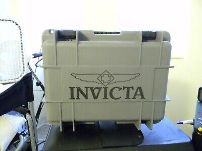 Invicta Classic Grey and Black 8 Slot Dive Case