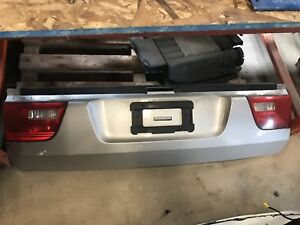 2006 BMW x5 bottom tailgate