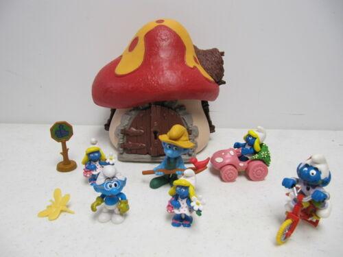 Vintage 1976 Smurfs Mushroom House w figures  Schleich Peyo Playset