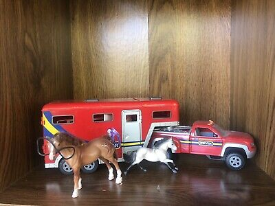 Breyer 5356 Stablemates Pick-Up Truck and Gooseneck Trailer And Lot