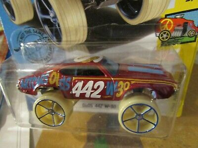 Hot Wheels Olds 442 W-30 HW Art Cars Red