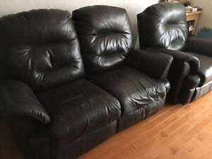 Genuine leather sofa recliners and 65' tv