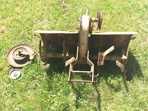 Simplicity /Allis Chalmers Garden Tractor 32