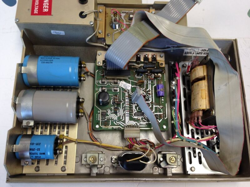 USED GOULD AS-P484-600 POWER SUPPLY S484 MODICON 484 CONTROLLER PLC DH