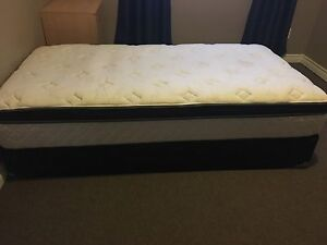 Twin mattress with box spring
