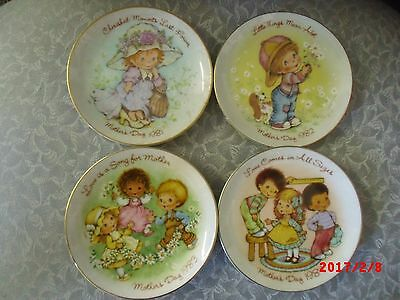 """SET OF FOUR AVON MOTHER'S DAY 5"""" PLATES"""
