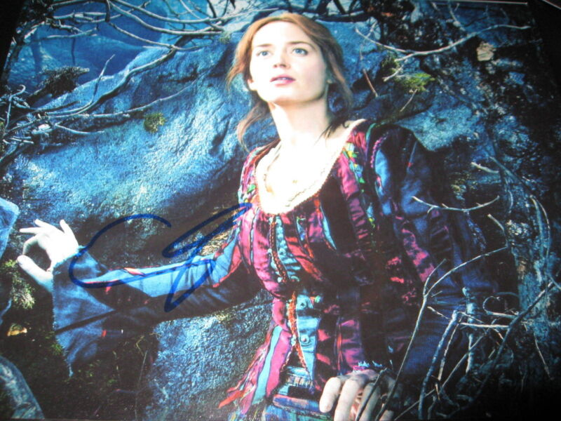 EMILY BLUNT SIGNED AUTOGRAPH 8x10 PHOTO INTO THE WOODS PROMO BABE IN PERSON COA