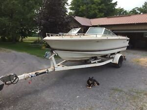 19' 1984 Bowrider boat for sale