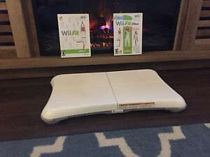 Wii fit balance board with 2 games!!