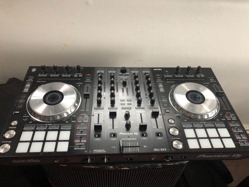 Pioneer DDJ-SX3 Performance DJ Controller