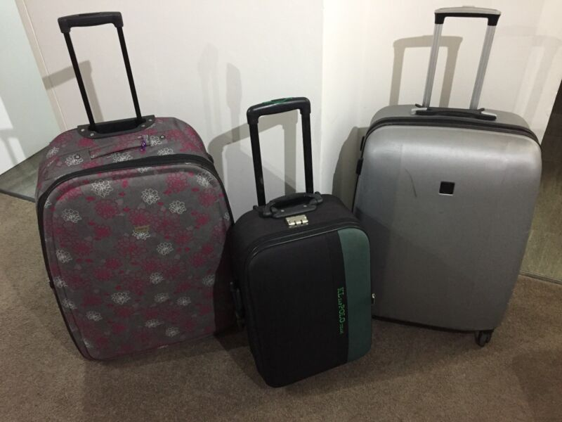 e04794f73b 3 suitcases Polo Revo and Lanza 2 Large one Small