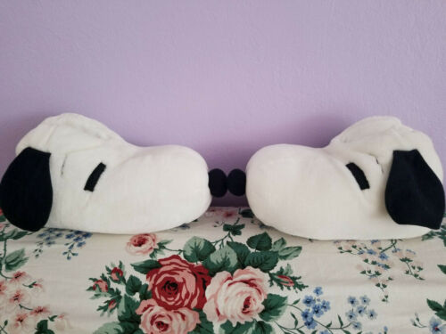 Super Cute & Cozy SNOOPY PEANUT Plush Slippers White Christmas size small 5-6