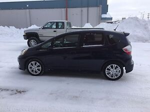 2009 HONDA FIT - manual trans - safetied