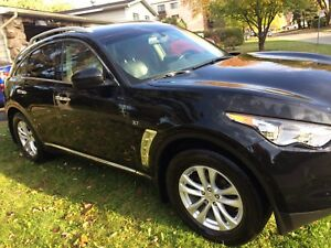 Infiniti qx70 2014 super condition bas millage 46650km 8 pneus