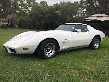 1977 WHITE CHEVROLET CORVETTE COUPE, REGISTERED, AUTOMATIC Wyong Wyong Area Preview