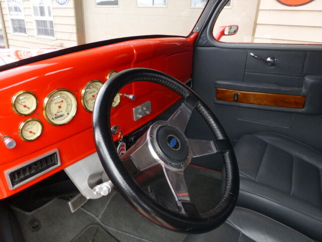 Lecarra leather wrapped steering wheel with tilt steering column