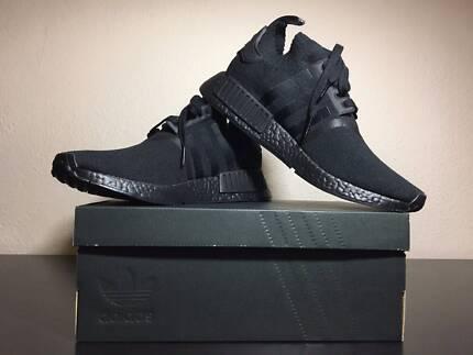 Adidas NMD R1 Triple Black Japan!