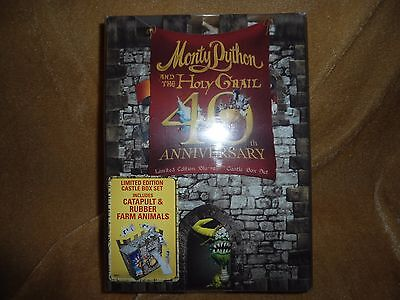 Monty Python and the Holy Grail Ltd Edition Castle Catapult Gift Set [Blu-ray]