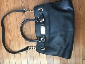 Black leather Micheal Kors purse