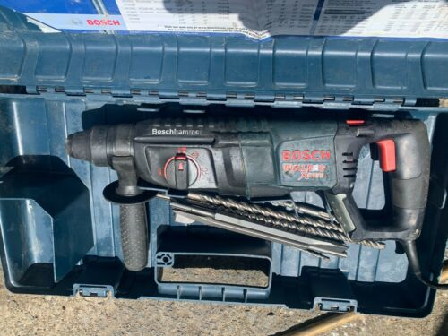 Bosch Bulldog Xtreme rotary hammer drill with 8 bits