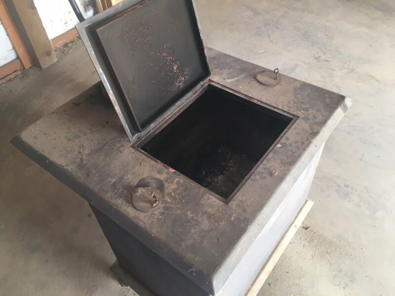 Top Loading Used Wood Stove Heater, Black and in Excellent Condition
