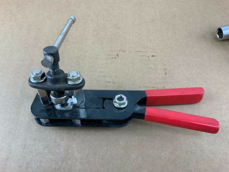 Compact Flaring Tool