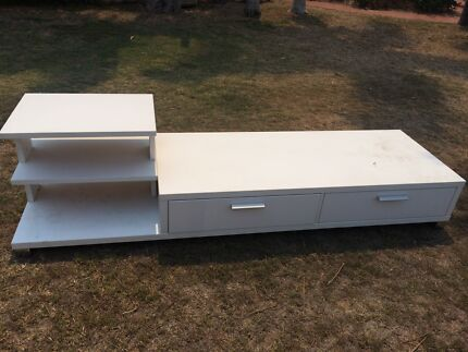 Free tv cabinet  Kirwan Townsville Surrounds Preview