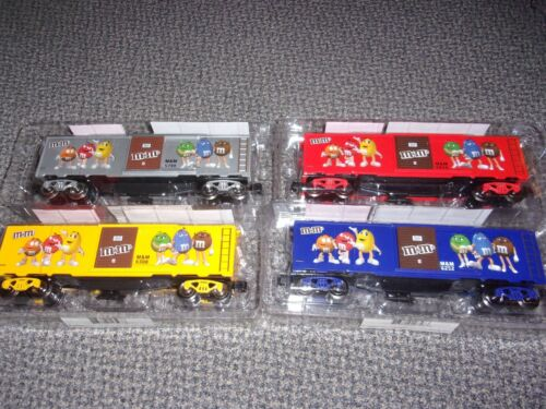 M&M - O-GAUGE TRAIN BOX CAR SET OF 4  -  NEW -  FREE SHIPPING
