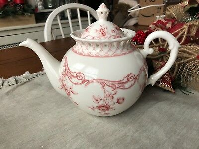 GRACIE CHINA RED FLORAL TOILE ROSES  OPEN LATTICE  NEW ELEGANT  TEA POT