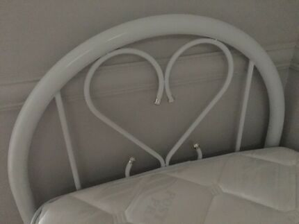 Single bed with mattrass