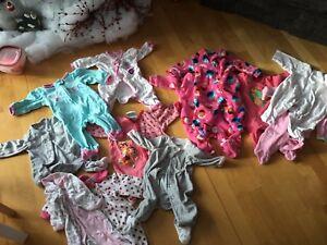 12 pyjamas NB fille. Secteur Jonquière