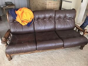 Free leather couch Keilor East Moonee Valley Preview